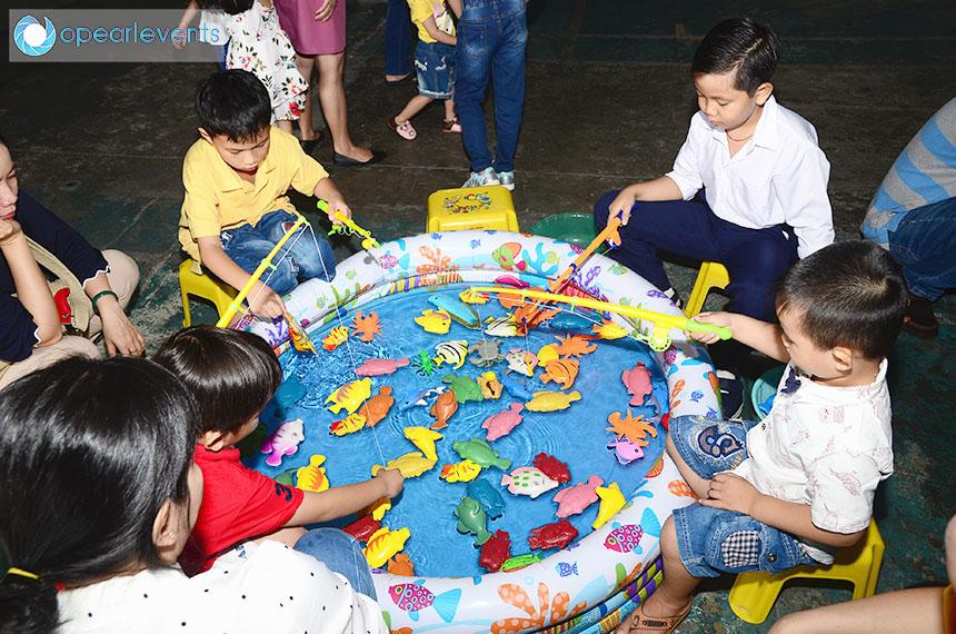 Các bé thỏa sức sáng tạo với các trò chơi vui nhộn